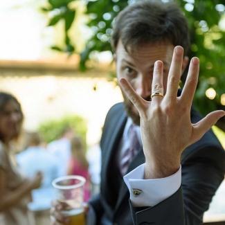 Fotografo di Matrimonio: Una frizzante coppia italiana all' agriturismo il nuovo bosco