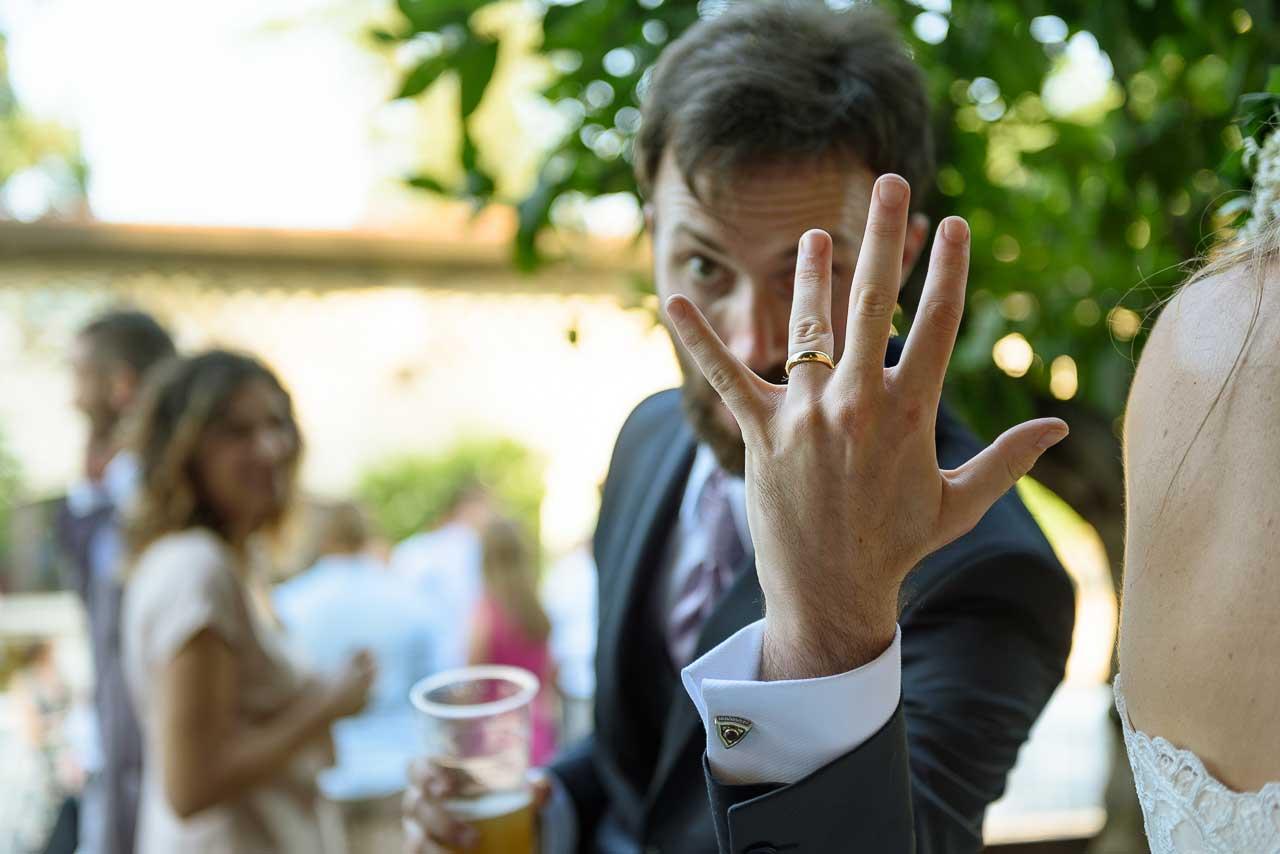Matrimonio Nel Bosco Toscana : Fotografo di matrimonio una frizzante coppia italiana all